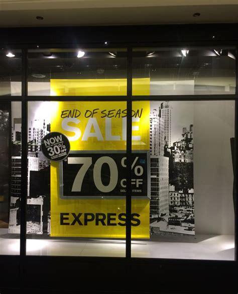 promotional store windows display ideas