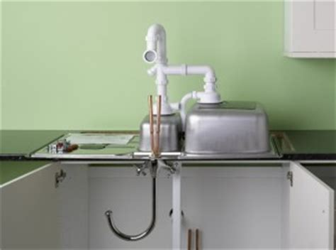 fitting taps to kitchen sink fitting a kitchen sink and taps 8938