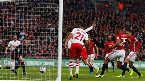 Offside?! Man Utd let off with disallowed Southampton goal ...