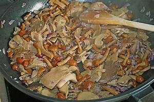 Pilz Rezepte Vegetarisch : sp tzle mit pilz k se sauce rezept mit bild ~ Lizthompson.info Haus und Dekorationen
