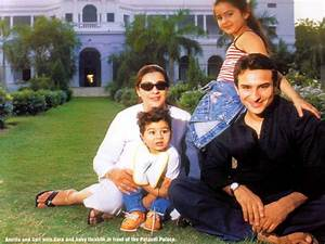 Vintage Shots: Saif , Amrita & Family | 902716 | Bollywood ...