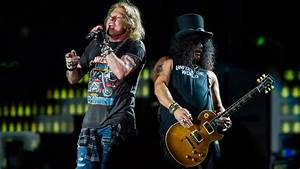 "Guns N' Roses covern ""Black Hole Sun"""