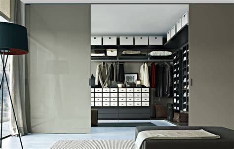 armoire murale chambre the most essential walk in closet ideas midcityeast
