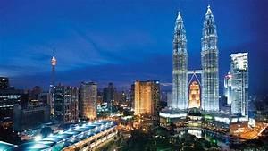Petronas Towers, Kuala Lumpur, Malaysia Wallpaper