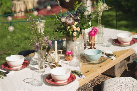 picnic ideas style tips   relaxed outdoor meal