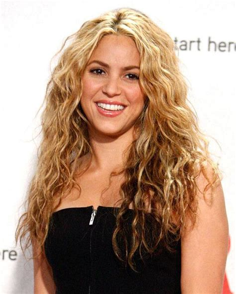 naturally wavy hair how to style all you need to about wavy hair 7839