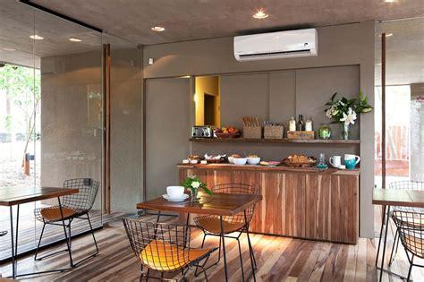 pisos plenilunio comedor de hotel plenilunio piso desayunador y mesas de
