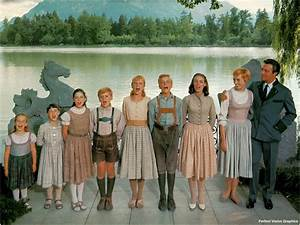 Top 15 Iconic Costumes From The Sound of Music (1965 ...