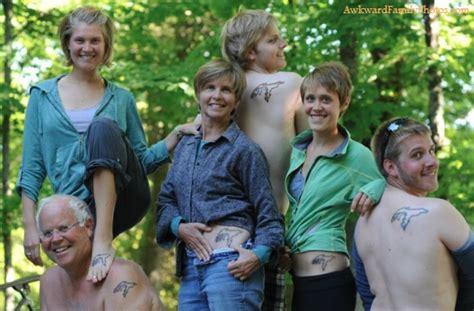 99 Most Awkward Family Photos Ever Thedailytopcom