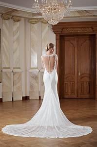 Hochzeitskleid Spitze Rückenfrei : kleiderfreuden brautmode online bestellen hochzeitskleid r ckenfrei mit langer schleppe und ~ Frokenaadalensverden.com Haus und Dekorationen