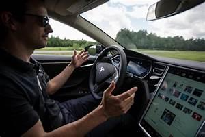 Auto autonome : les gouvernements peinent à suivre   Hugo ...