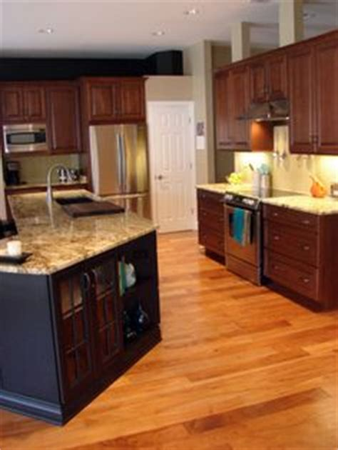 kitchen cabinet repainting 1000 images about kitchen on cherry kitchen 2728