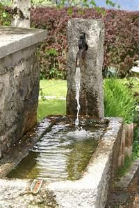 Brunnen Im Garten : moderne gartengestaltung tolle ausstattung des innenhofs mit brunnen ~ Sanjose-hotels-ca.com Haus und Dekorationen