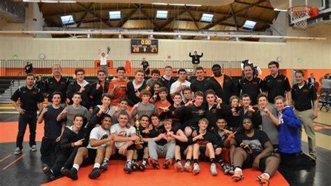 Wrestling team wins Division 3 state championship ...