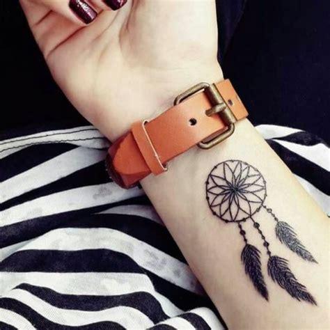 idees de tatouage attrape reve symbolique