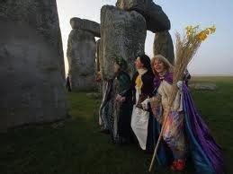stonehenge solstice equinox tours