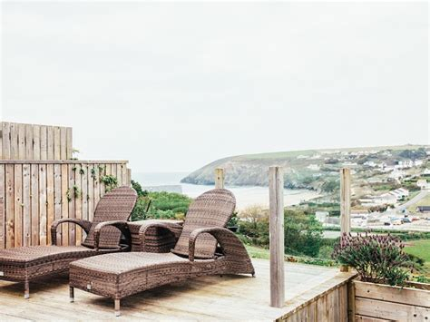 Cottages With Hot Tubs In Cornwall