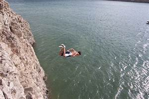 10 Tips On How To Cliff Jump Without Getting Hurt