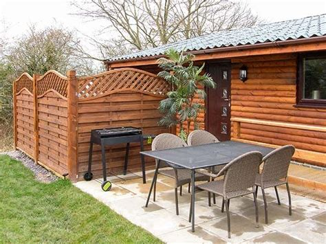 Log Cabins With Tubs Wales by Rhyll Log Cabin With Tub Roe Lodge