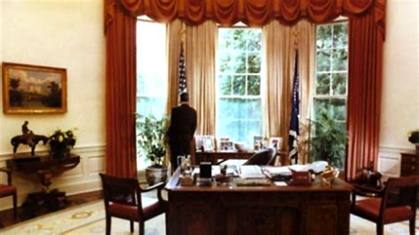 oval office tour don t miss an inside tour of the white house rediff news