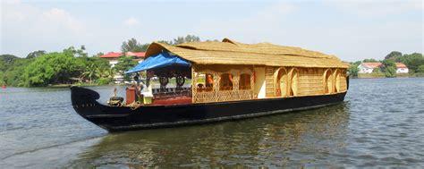 House Boat At Kollam by Southern Backwaters Kerala Backwater Tour Operator