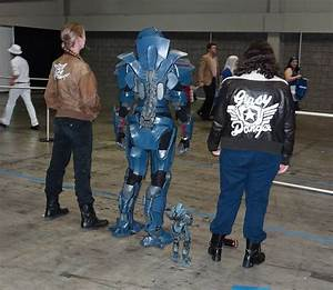 Gipsy Danger Cosplay: Pacific Dream - Technabob
