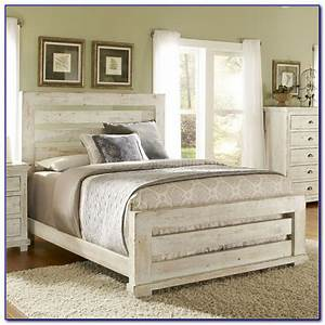 White distressed bedroom set bedroom home design ideas for Distressed white bedroom furniture uk