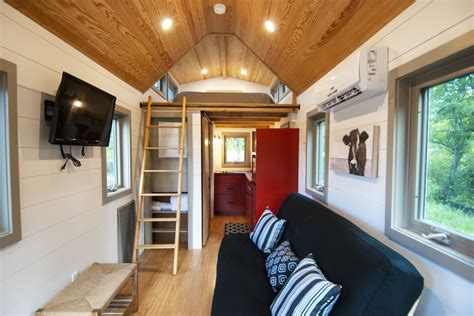 Tiny Häuser Schlüsselfertig by Cottage Inspired Tiny House By Crown Tiny Home Company
