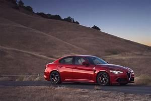 Alfa Romeo Giula : alfa romeo giulia quadrifoglio 2016 2017 autoevolution ~ Medecine-chirurgie-esthetiques.com Avis de Voitures