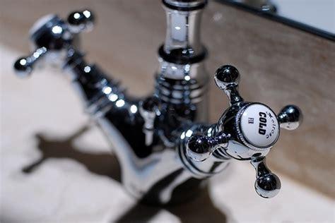 rubinetto gocciola fai da te come sistemare un rubinetto perde