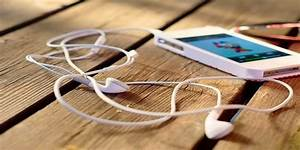7 Harmful Effects Of Listening To Music Over ...