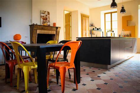 cuisine industrielle loft 3 chaises design à adopter pour donner du style à votre