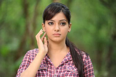 South heroine nikita bisht, hd wallpaper : 51 Top Hd Wallpaper: Sauth Indian Actress HD Wallpaper