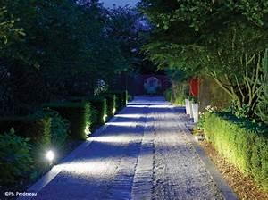 eclairage de jardin 3 experts vous conseillent pour un With eclairage allee de jardin