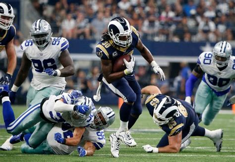 los angeles rams shock  dallas cowboys score game