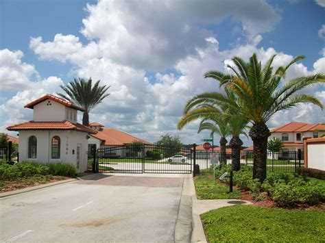 Orlando Florida Homes for Rent with Pool