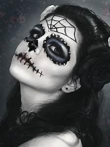 Zombie Schminken Bilder : 25 beste idee n over halloween schminken op pinterest enge pop make up schminken ontwerpen ~ Frokenaadalensverden.com Haus und Dekorationen