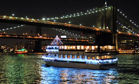 Living On A Boat In New York City by Sunbird Boats Paddle Wheel Boat Plans Boats New York