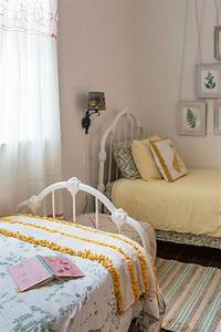 Two Bed Bedroom Ideas the 25 best two twin beds ideas on ...