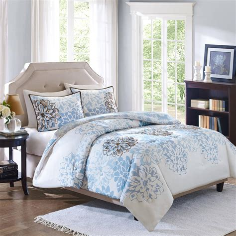 Bedding Beautiful White Natural Flowers Debetter Homes And