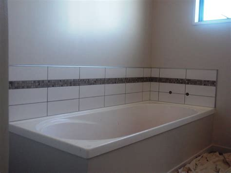 tile centre bathroom splashbacks