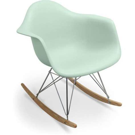 chaise rar eames best 25 eames rar ideas on alkoven regale