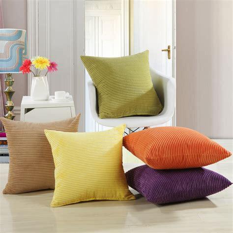coussin décoratif pour canapé coussin pour canape