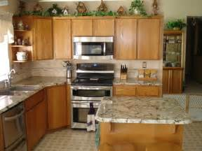 What Color Granite with Maple Cabinets