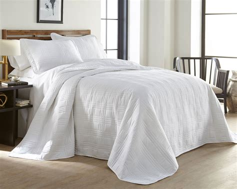 Oversized Coverlets 3 soft oversized 100 quot x106 quot plaid bedspread