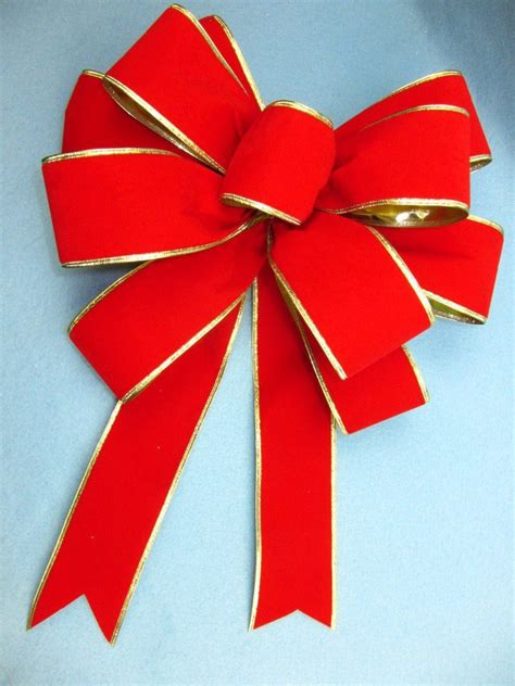 big bow pictures see how to make a gift bow out of ribbon pro bow the
