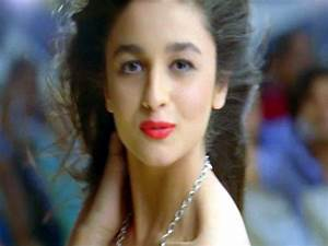 Alia Bhatt's Makeup in Student of the Year