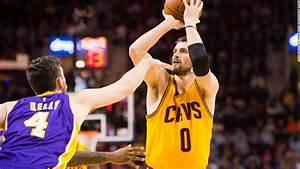 Stephen Curry is making NBA history while having fun - CNN