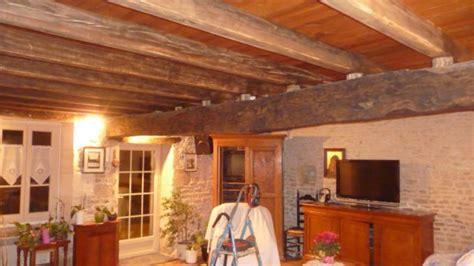 quelle couleur pour un plafond avec poutres pour 233 claircir la pi 232 ce