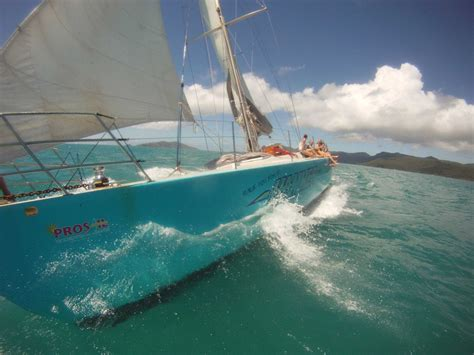 whitsundays sailing adventure with hammer 2 day 1 night